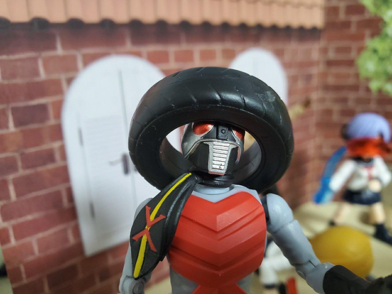 タイヤと仮面ライダーX