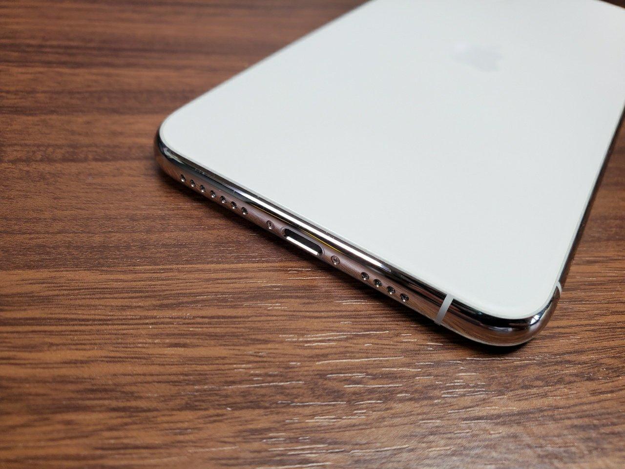 iPhone 11 Pro Max充電端子