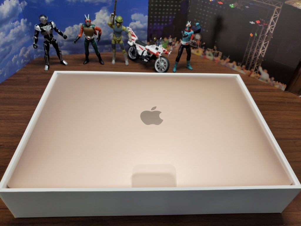 MacBook Air箱開封