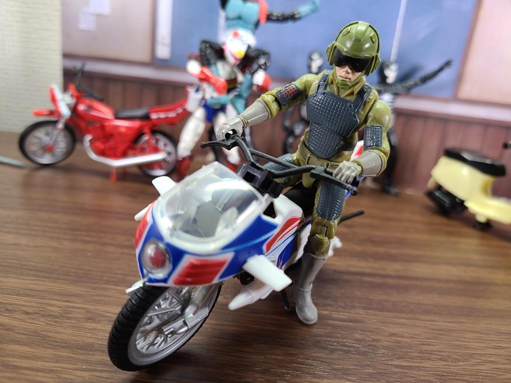 バイク搭乗