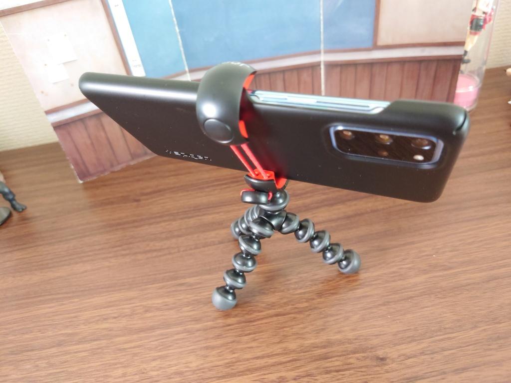 MPod Mini Standスマホ接続2