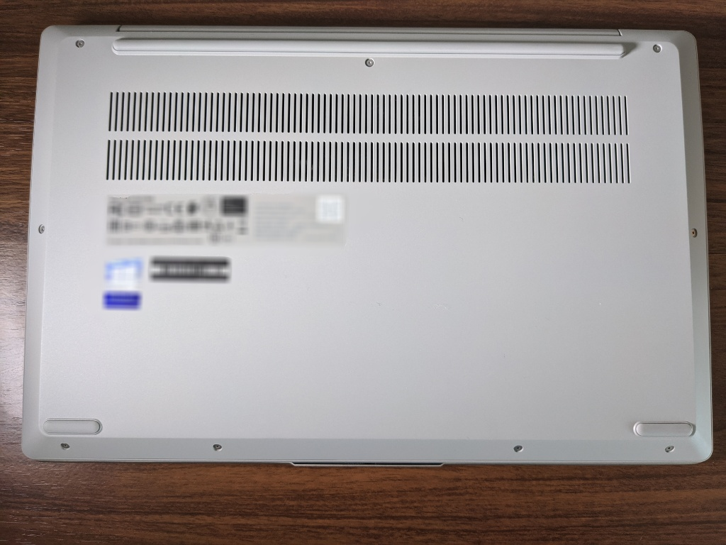 IdeaPad Slim 550底面