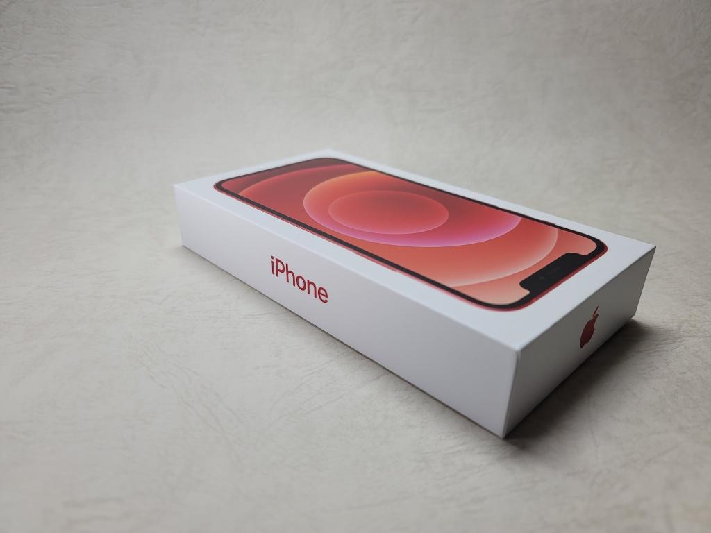 iPhone 12外箱薄さ