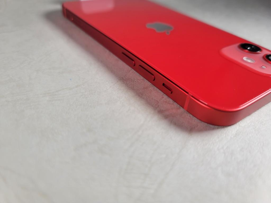 iPhone 12ボタン
