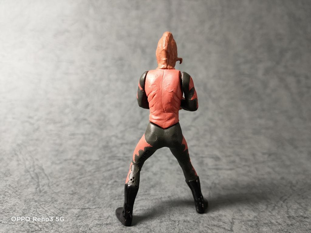 サソリ男背面