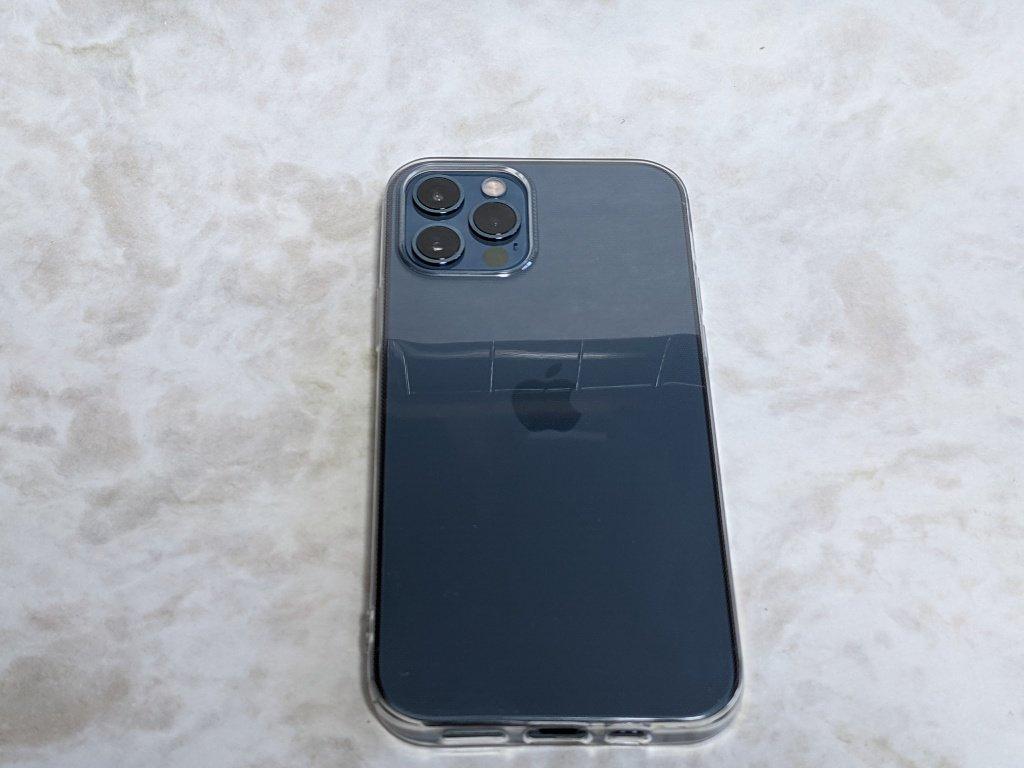 iPhoneに保護ケースを装着
