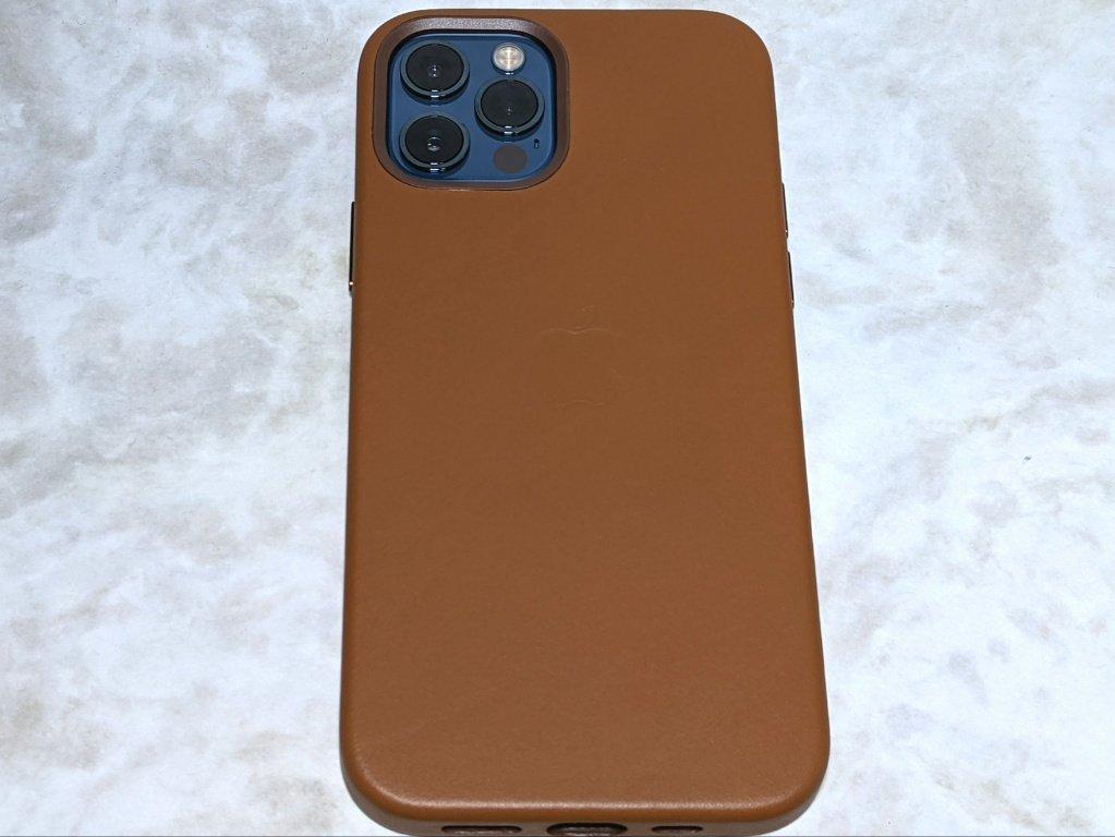 iPhone 12 Pro用レザーケース背面