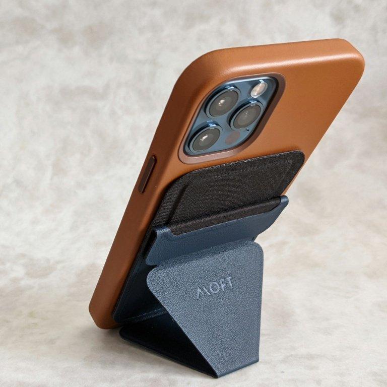 iPhone 12 Pro用レザーケースMOFT背面