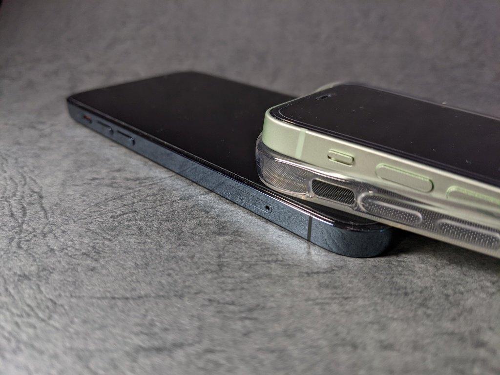 iPhone12シリーズの背面