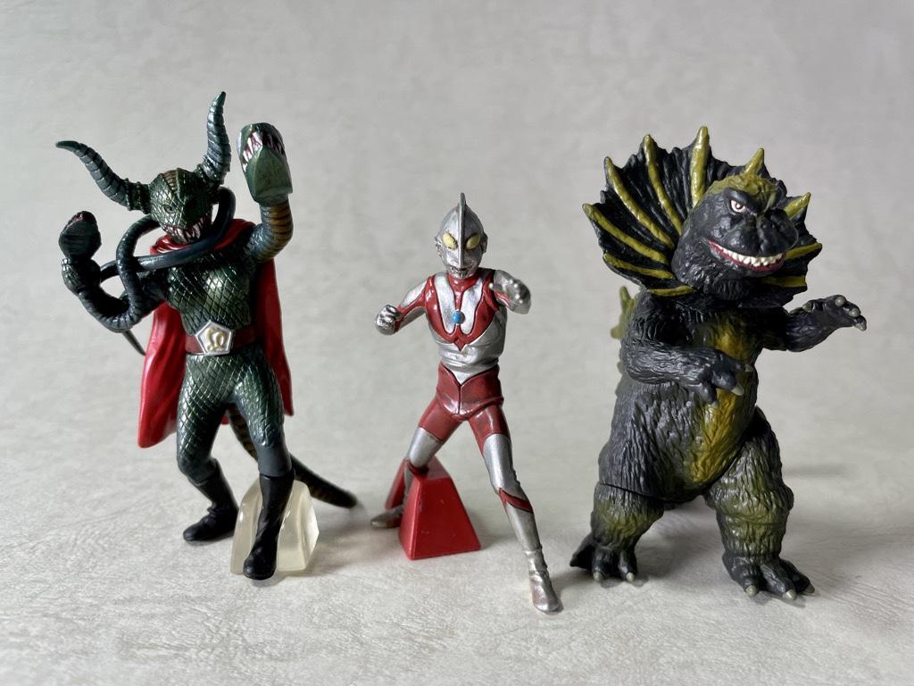 ウルトラマンとジラースと蛇女