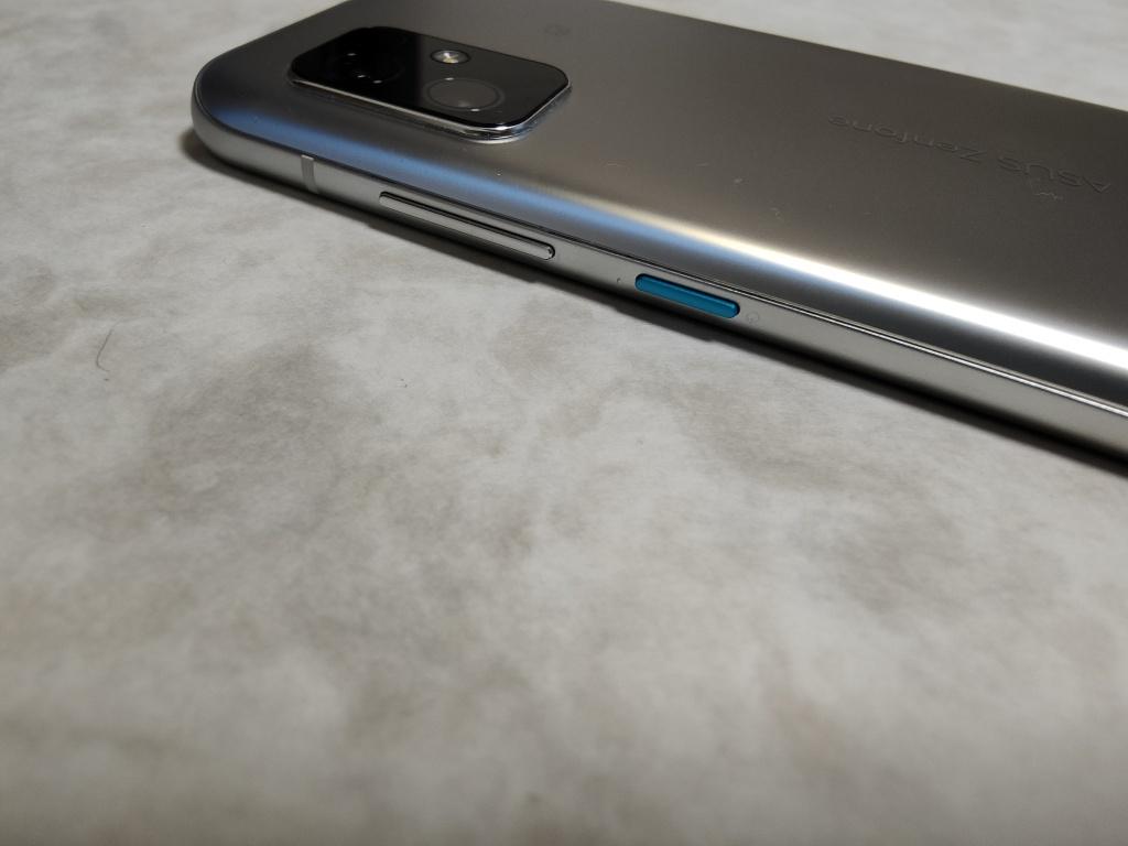 Zenfone 8電源ボタン